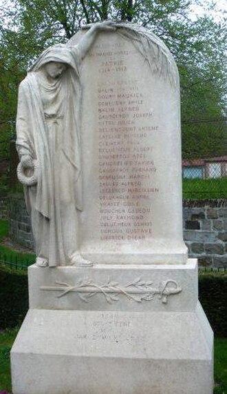 War memorials (Eastern Somme) - The war memorial at Allonville