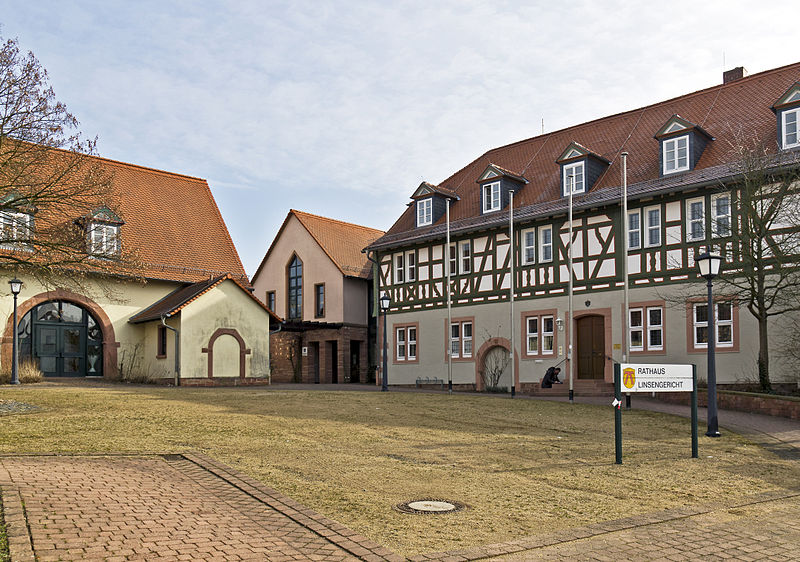 File:Altenhasslau Rathaus Linsengericht 20110223.jpg