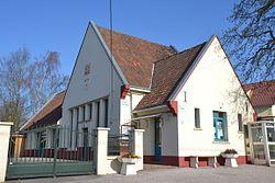 Ambricourt mairie-école.JPG