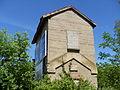 Ancienne maison de garde-barrière à Soleymieu (Isère).jpg