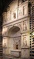 Andrea bregno, altare piccolomini, 1503, con statue di michelangelo e altri, 1501-04.JPG