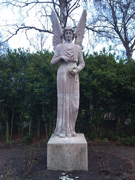 File:Angel in St Pauli cemeteries, Malmo.jpg