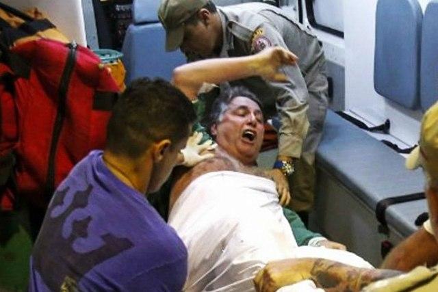 Ficheiro:Anthony-garotinho-esperneia-ambulancia-825x550.jpg – Wikipédia, a enciclopédia livre