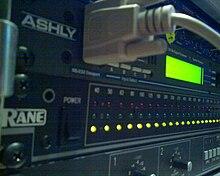 Sound reinforcement system - Wikipedia