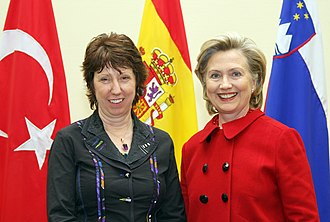 Barroso Commission - Catherine Ashton (left), High Representative and First vice-president with the US Secretary of State.