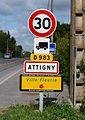 Attigny-FR-08-panneau-01.JPG
