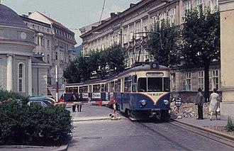 Badner Bahn - Image: Baden wlb zug bestehend aus frueheren 588641