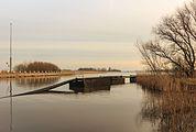 Baggertransportleiding drijft in de Noorder Oudeweg 03.jpg