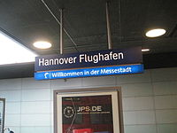 Bahnhof Hannover Flughafen • Bahnhofsschild.JPG