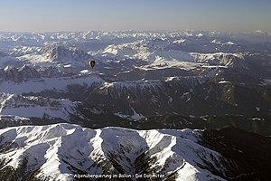 Ballonfahrt über die Alpen 1.jpg