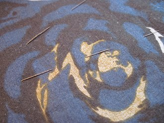 Tack (sewing) - Image: Basted fabric right side