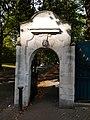 Battersea Park Chelsea Gate 02.jpg