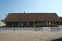 Beaumont-du-Gâtinais Halle 3815.JPG