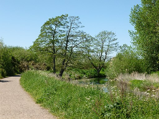 Bend in the River Idle - panoramio