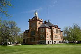 Benson County Courthouse 2009.jpg