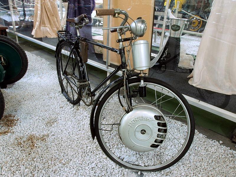Zweirad mit Frontantrieb 800px-Bicycle_with_Nordap_engine