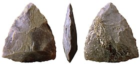 Bifaz triangular.jpg
