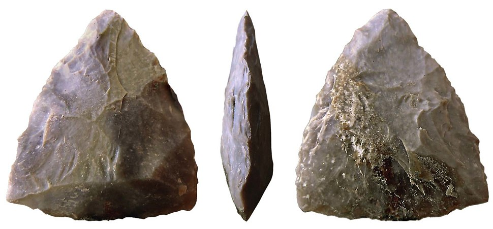 Bifaz triangular