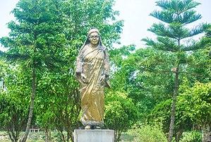 Begum Rokeya - Statue of Begum Rokeya in Begum Rokeya Memorial Centre, Pairabondh, Mithapukur, Rangpur