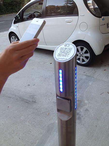 Déblocage d'une borne lente de recharge de véhicule électrique avec un smart-phone