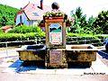 Bourbach-le-Haut. Fontaine fleurie. 2015-06-11.JPG