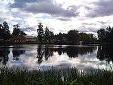 Fil:Bruksdammen i Lövstabruk 20110920a.jpg