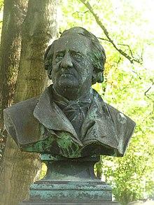 Die Büste auf dem Grab Franz Lachners vom Bildhauer Michael Wagmüller (Quelle: Wikimedia)