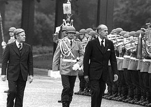 Helmut Schmidt, left, with French President Va...