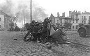 Bundesarchiv Bild 101I-012-0037-23A, Polen, Straßenkampf, Infanterie