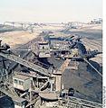 Bundesarchiv Bild 183-1982-0806-401, Tagebau Welzow-Süd, Förderbrücke.jpg