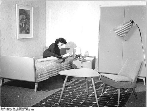 Bundesarchiv Bild 183-53500-0042, Jugendzimmer, VEB Möbelwerke Zeulenroda