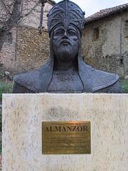 Busto de Almanzor en Calatañazor.JPG