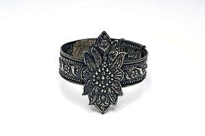 Arm ring - Javanese arm ring used by Wayang wong dancers.