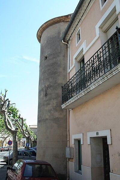 Canet (Hérault) - tour, sur la Grand'Rue.