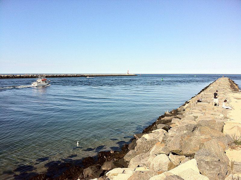 File:Cape Cod Canal by Sandwich, Massachusetts.jpg