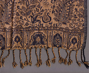 Paisley shawls - Detail of a modern shawl in woven Paisley pattern