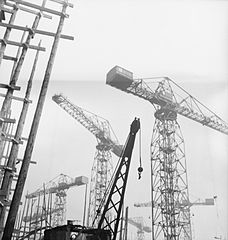 Cecil Beaton Photographs- Tyneside Shipyards, 1943 DB54.jpg