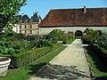 Château de Cormatin, potager et granges.JPG