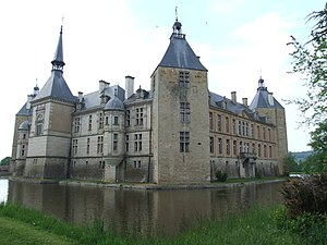 Chateau de Sully 09.jpg