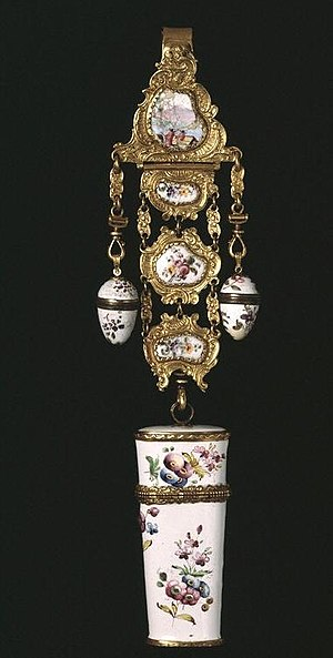 Chatelaine (chain) - Chatelaine, 1765-1775 Victoria and Albert Museum no. C.492:1 to 7-1914