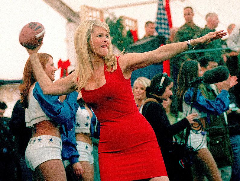 File:Christie Brinkley in 1999.jpg