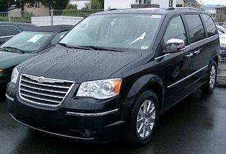 Chrysler Voyager - Image: Chrysler Voyager front 20080419