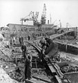 Construction-workers-reconstructing-a-port-in-Finland-1941-142437057478.jpg