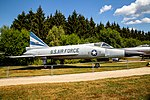 Convair F-102A Delta Dagger 56-1125 (29967109068).jpg