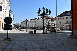 Coronavirus atmosphere at Tartu town hall square on 7th of April 2020 05.jpg