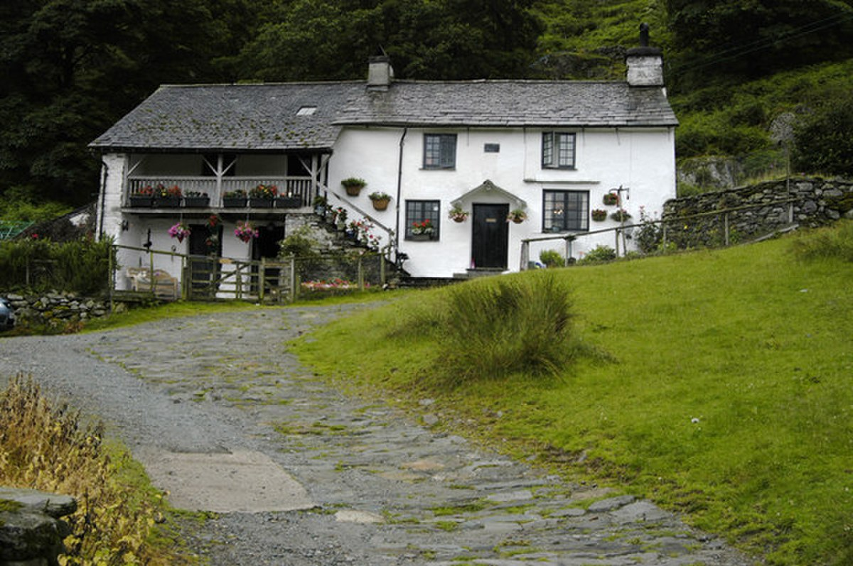 Cottage with spinning gallery, Low Tilberthwaite - geograph.org.uk - 889093.jpg