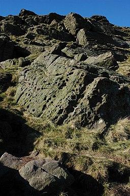 Crags on Shutlingsloe - geograph.org.uk - 696792