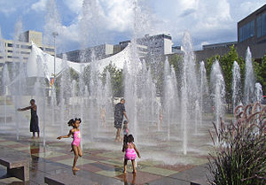 Crown Center - Image: Crown Center Square Fountain Kansas City MO