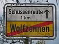D-BW-Eriskirch-Wolfzennen - Ortsschild a080.JPG