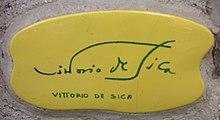 La piastrella autografata da De Sica sul muretto di Alassio